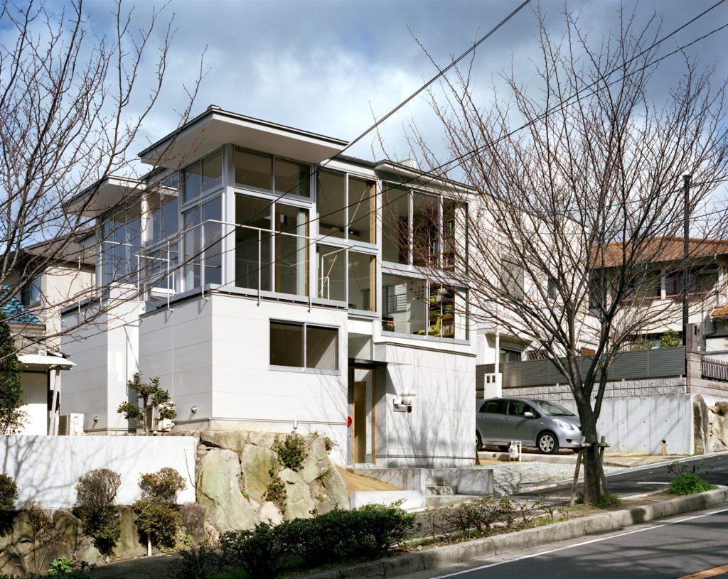 002.窓とスキップフロアの家
