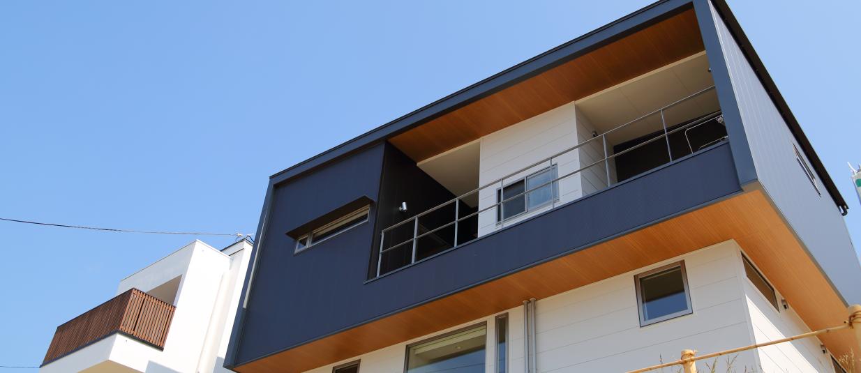 デッキテラスと眺望の家